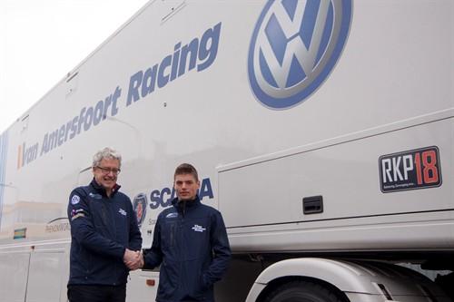 2014 max verstappen van amersfoort racing contract 1 500x333 1