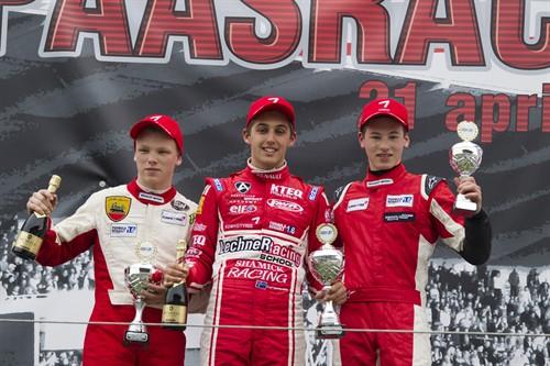 persbericht ten voorde paasraces podium 500x333
