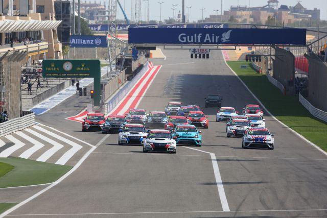 Race 2 Start - tcr