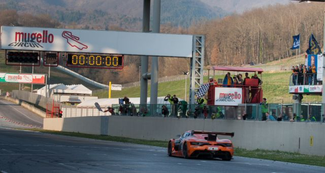 Finish Hankook 12H ITALY MUGELLO 2016 800pix