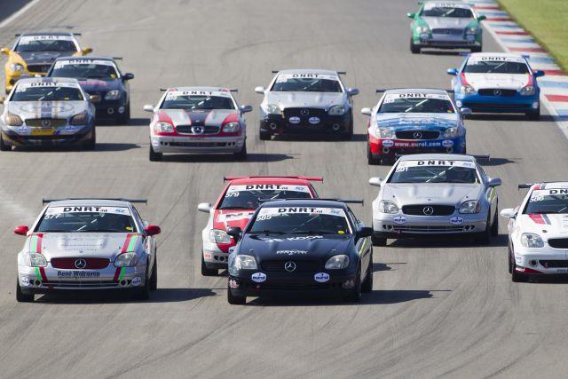 Mercedes-Benz SLK Cup - Start van Race 2 op het TT Circuit van Assen 160908