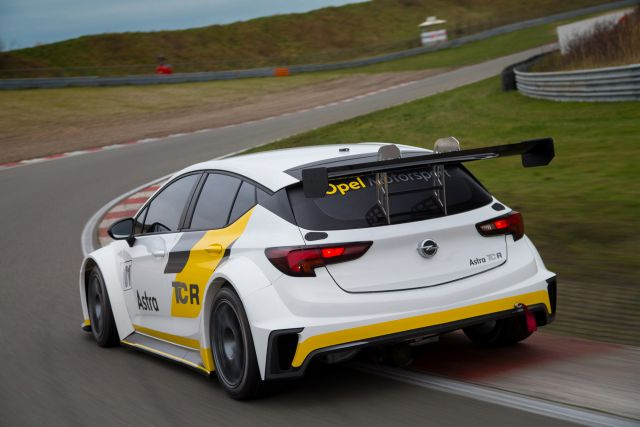 TCR Benelux - Test Day - Circuit Park Zandvoort