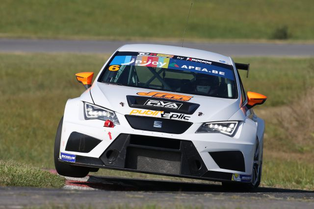 TCR SEAT Ferry Monster Autosport 2