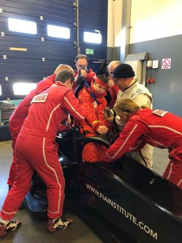 FIA Extrication training DMSB TT Assen oefent met F1 HALO